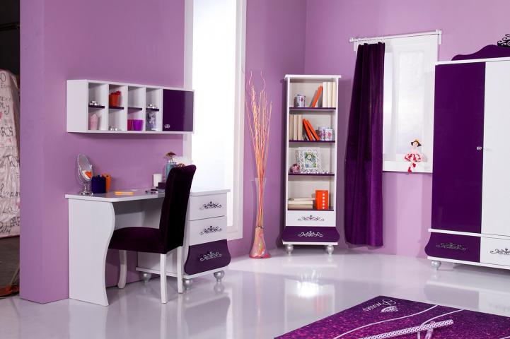 kinderkamer prinses meisjeskamer paars bureau