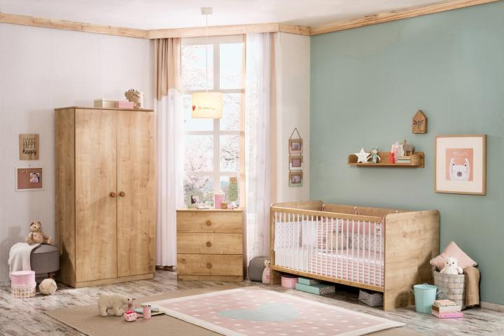 Stockholm babykamer hout look baby babybed
