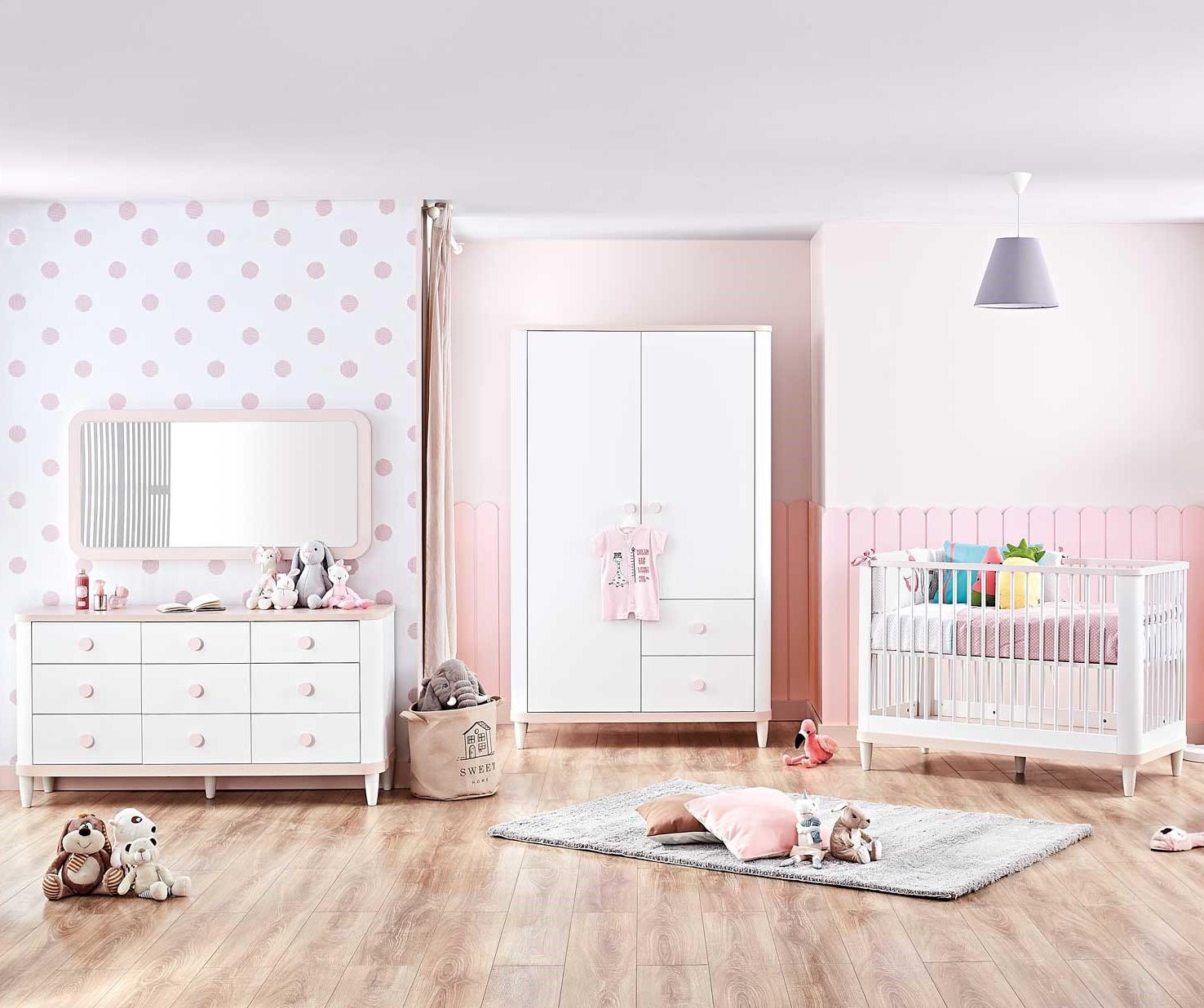 Femi lichtroze meisjes babykamer
