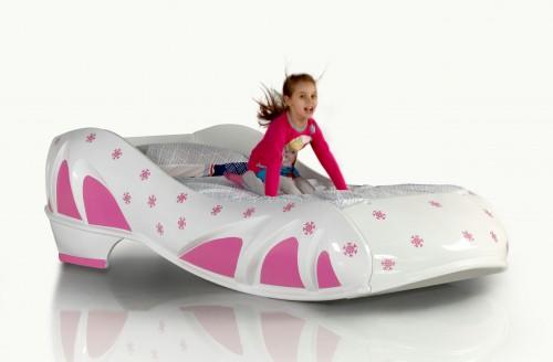 Harten schoenbed hakschoen meisjesbed kinderkamer
