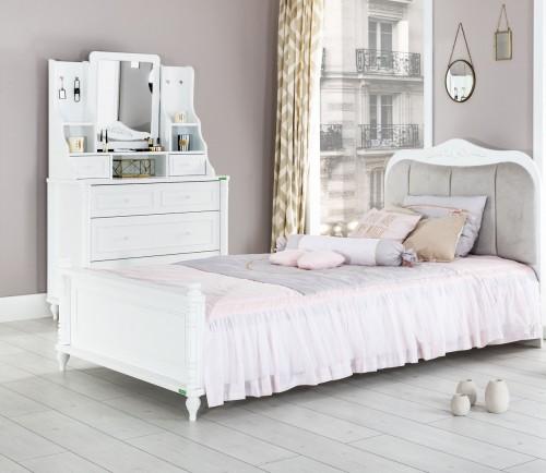 kinderbed meisjes kinderkamer brocante slaapkamer wit