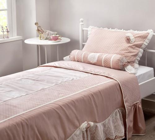 bedsprei roze bedcover kussen roze